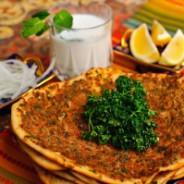 Lahmacun: pizza turque
