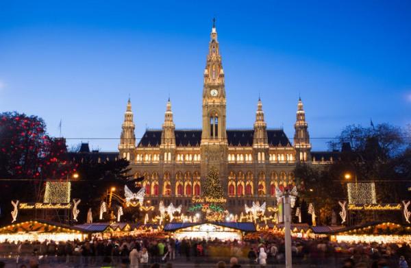 La Rathausplatz de Vienne à Noël